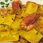 ravioloni-di-cernia-al-pesto-di-pistacchi-e-scampi